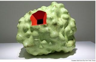 ken-price-ceramic-sculptures-met-pastel