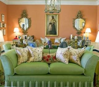 10 Oprah-home-santa-barbara-montecito-couch-e1361217476420