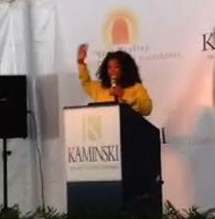 26 110213-oprah-auction-launch-3